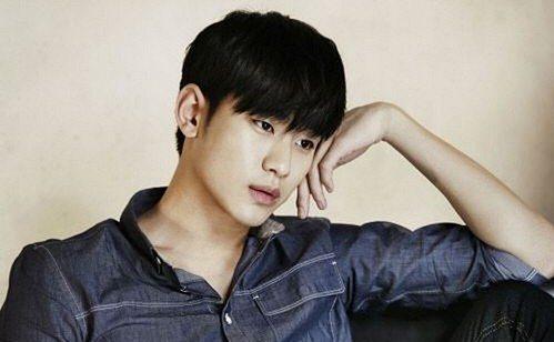 Photo of [FS화보] 김수현, 샤프한 청청패션의 새 발견