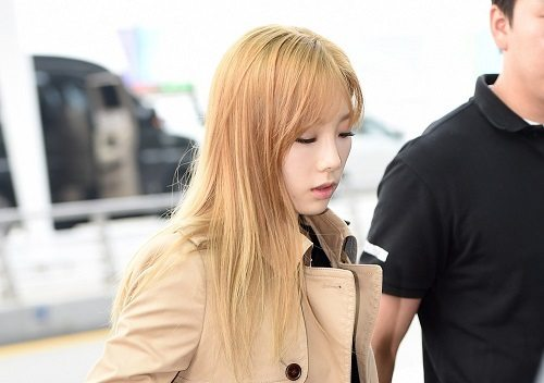 Photo of [FS공항패션] 소녀시대 태연, 가을 페미닌룩 비결 '트렌치코트'