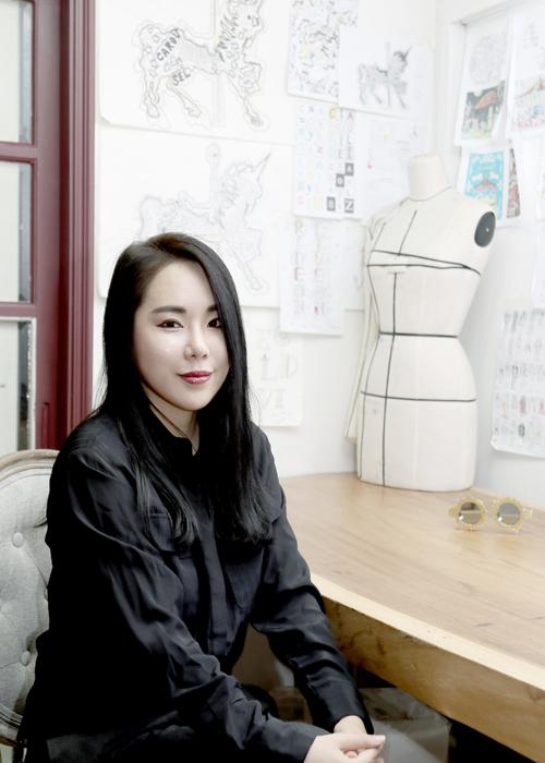 송유진 디자이너