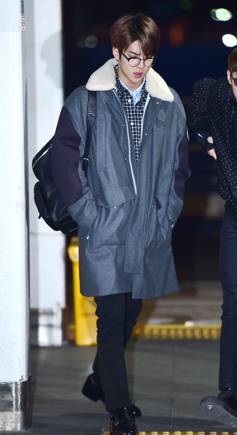 "Photo of [FS공항패션] EXO 세훈, ""#데일리룩은 오버사이즈 코트죠"""