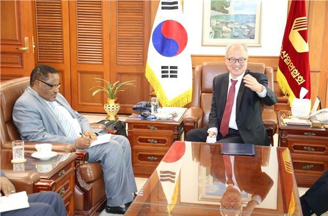 Photo of [동정] 성기학 회장, 신임 주한 에티오피아 대사 접견