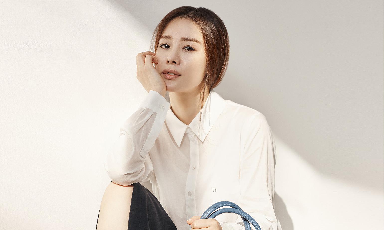Photo of [FS화보] 김현주, 나이를 잊은 듯한 비주얼
