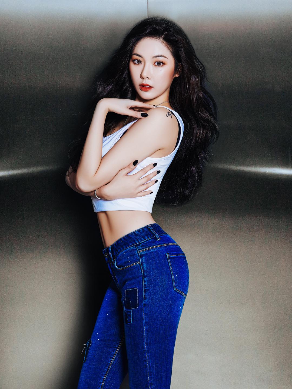 20160206_RubberJeans_HyunA1