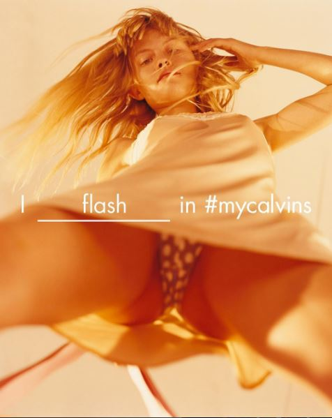Photo of 캘빈클라인, 다리 사이로 보이는 속옷…소아 성애 논란