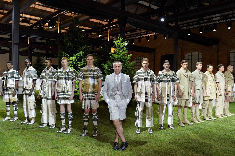 Photo of MONCLER GAMME BLUE 2017 S/S COLLECTION IN MFW