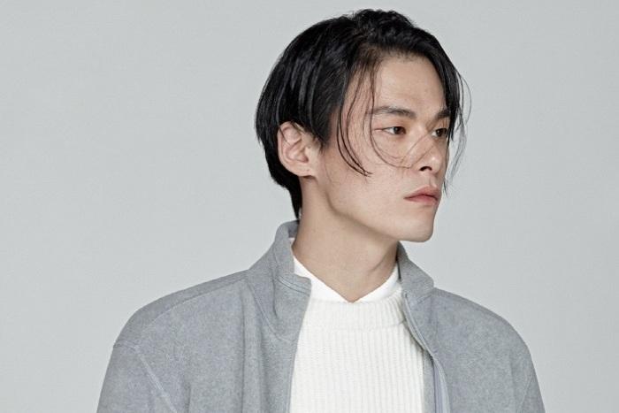 Photo of 유니클로, 남성 패션 모델 김원중 선정