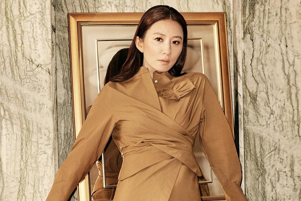 Photo of 김희애, 세월이 비껴간 미모