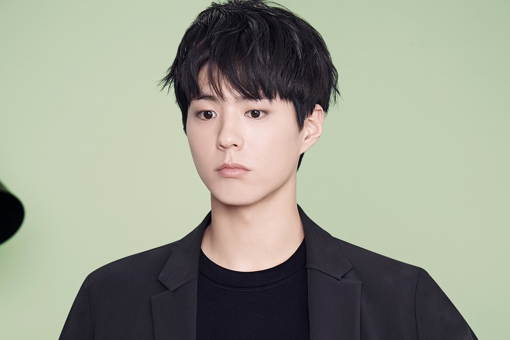 Photo of 박보검, 블루종과 맥코트 봄 패션 화보