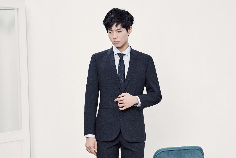 Photo of 박보검, 마법 같은 수트 핏