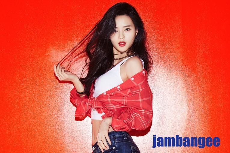Photo of 김윤혜, 신비로운 아역모델에서 성숙한 뮤즈로