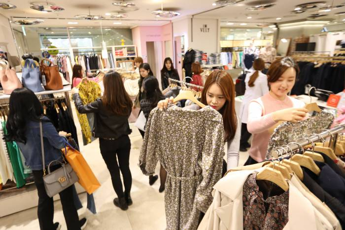 Photo of 롯데백화점, 제 2의 '스타일난다'를 찾아라