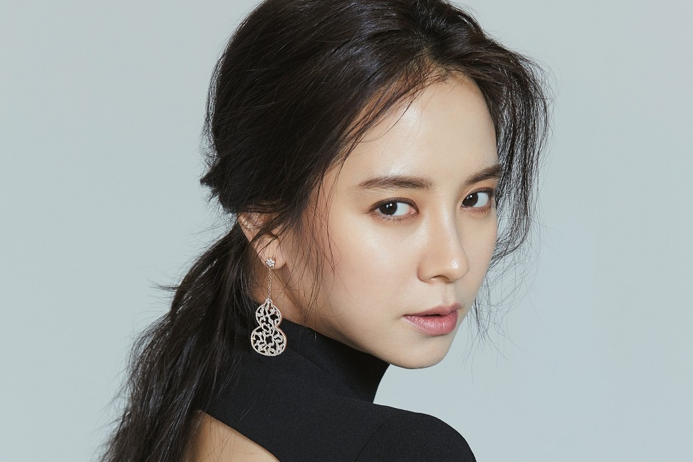 Photo of 송지효, 반전매력 넘치는 화보 공개