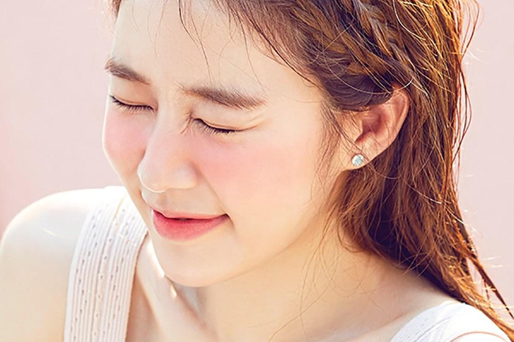 Photo of 배우 유인나, 눈을 뗄 수 없는 미모