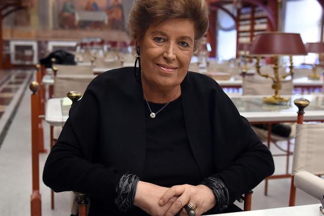 Photo of 이탈리아 '패션 전설' 카를라 펜디 별세