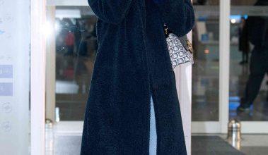 Photo of 한지민, 공항 밝히는 아름다운 미소