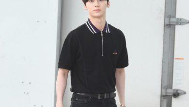 Photo of 황민현이 선보이는 깔끔한 올 블랙 공항패션