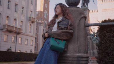 Photo of 혜리, 시크한 표정과 여유로운 포즈의 화보 공개